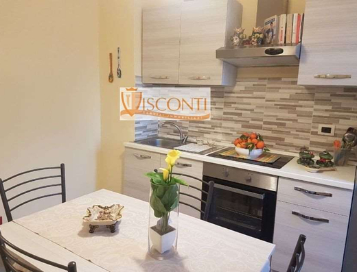 Ampio monolocale con cucina abitabile a Cologno