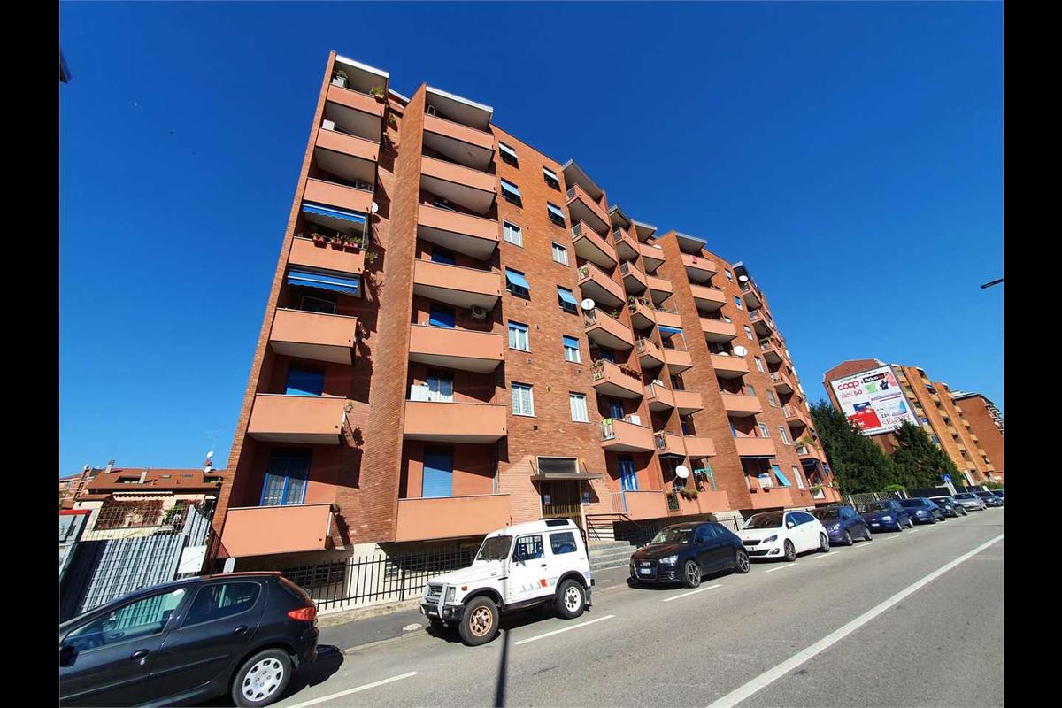 Bilocale ristrutturato con BOX MM Crescenzago in Vendita a Milano