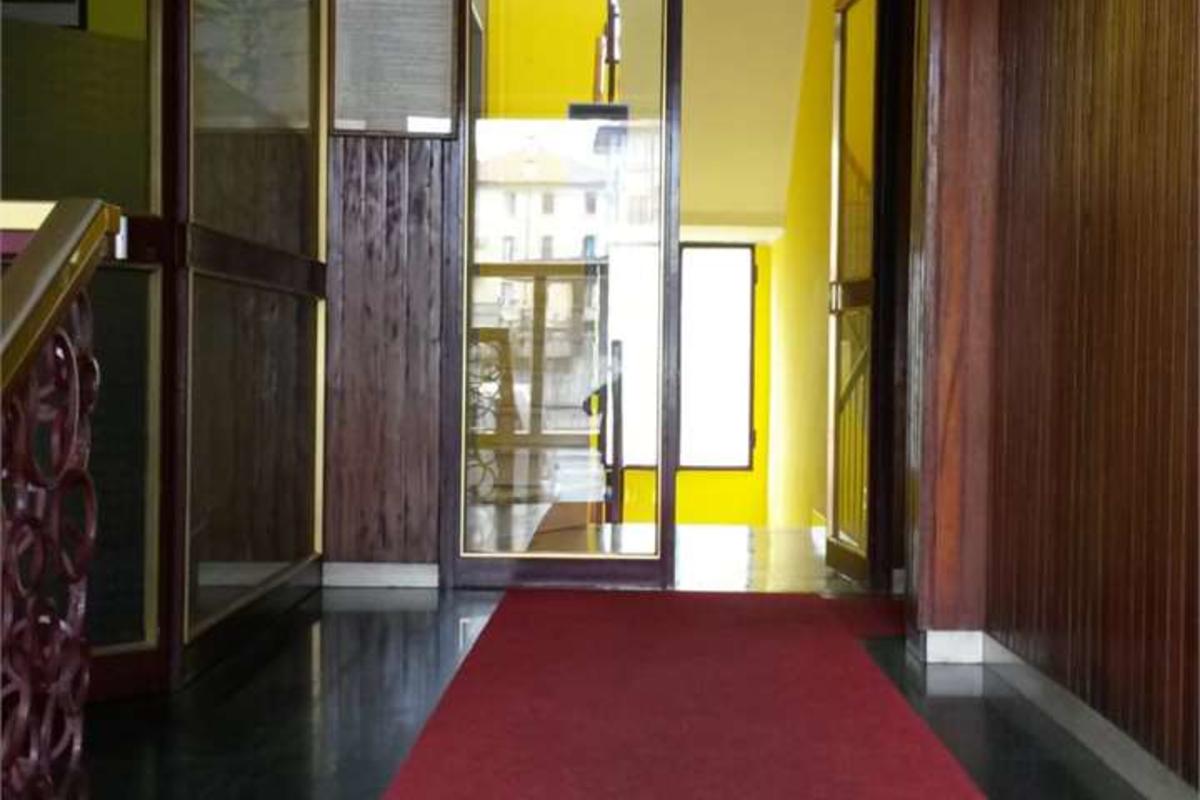 Trilocale via Neera in Affitto a Milano