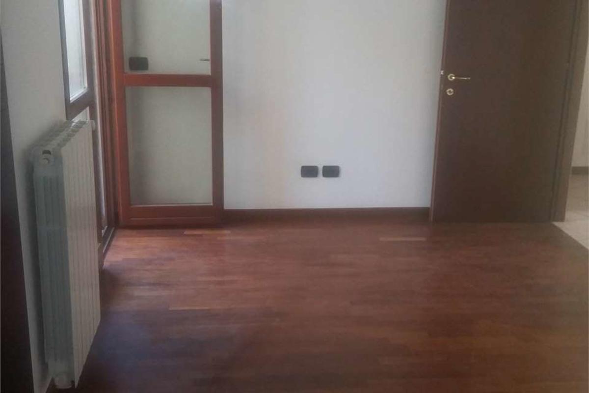 Trilocale piano alto ristrutturato con  BOX doppio in Vendita a Sesto San Giovanni