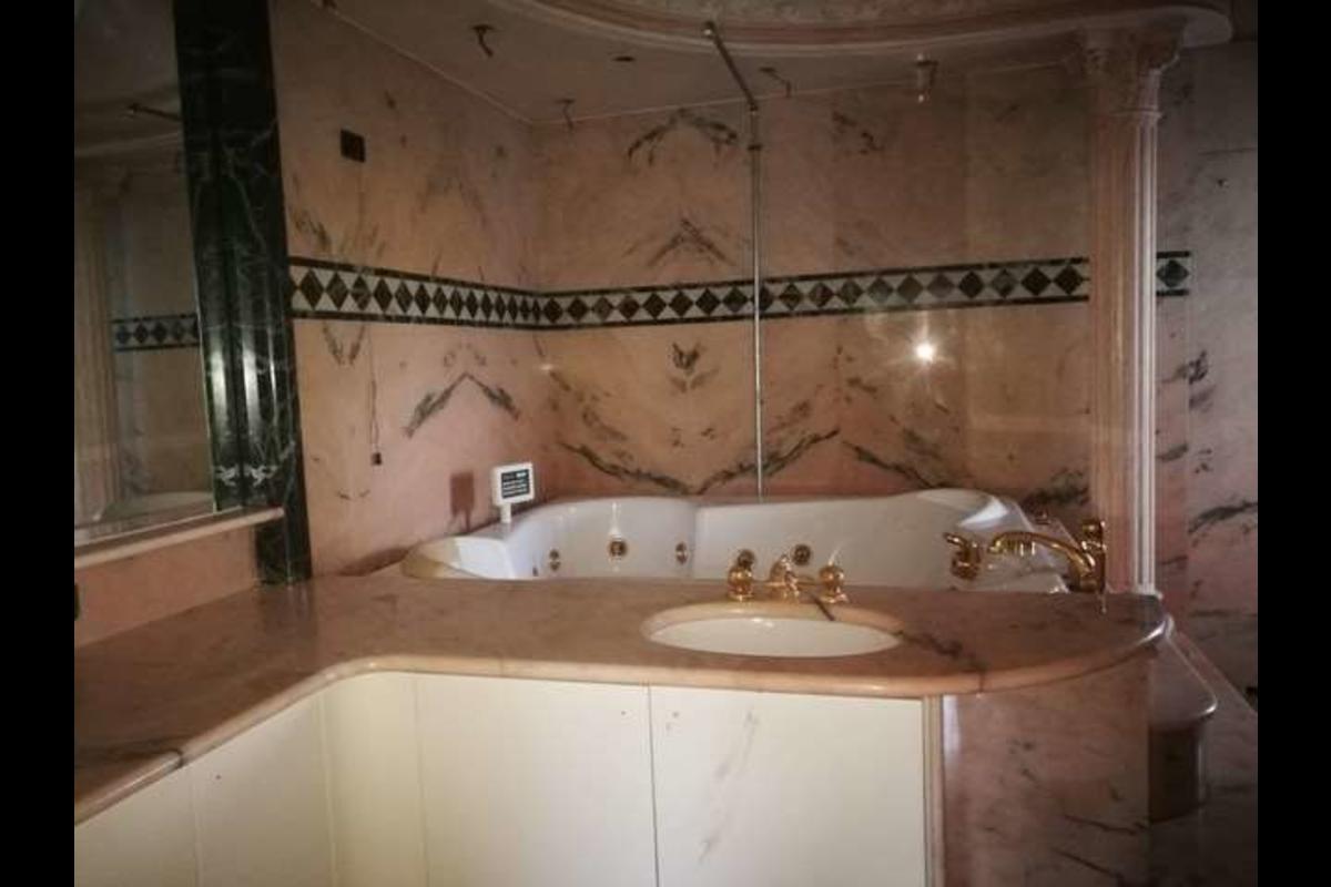 Villa unifamiliare con piscina in Vendita a Stezzano