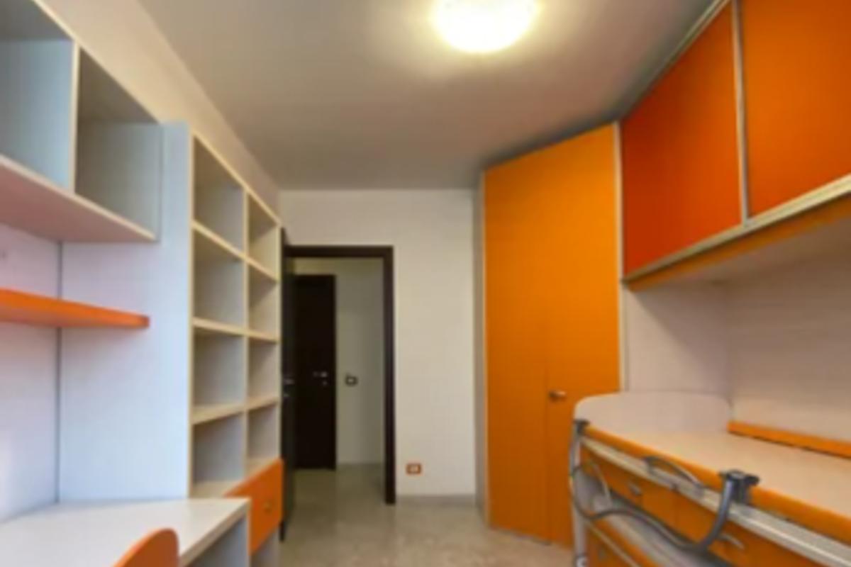 Quadrilocale zona Gallaratese in Vendita a Milano