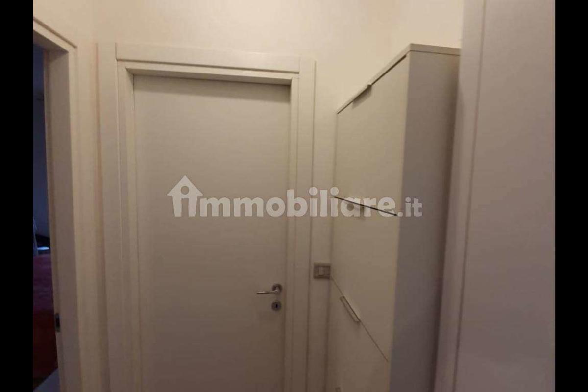 Bilocale Ristrutturato e arredato Viale Ungheria in Vendita a Milano