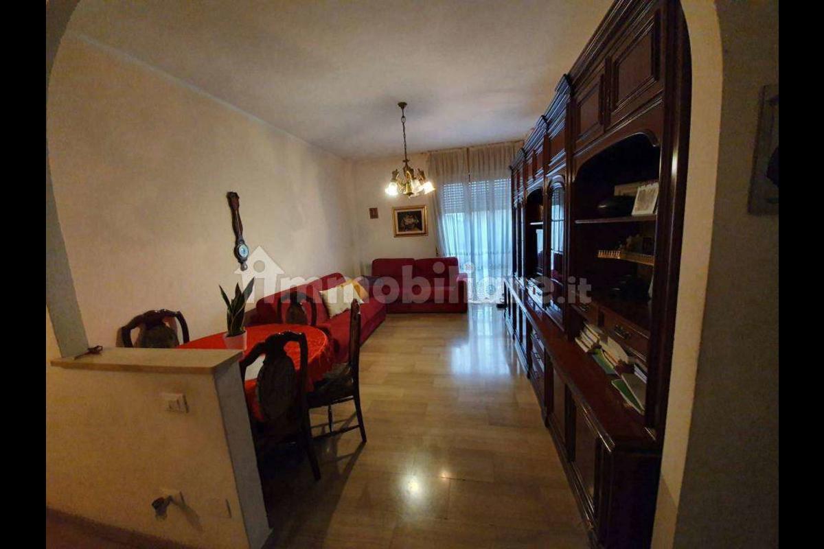 Trilocale Piano alto con BOX - Viale Certosa in Vendita a Milano